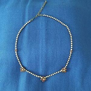 Flower chocker necklace